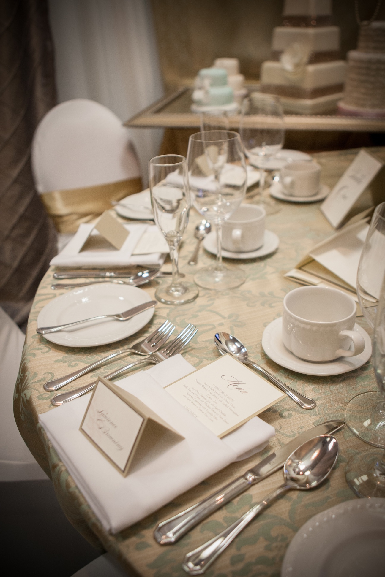 Gallery of invitations for 10 table cream